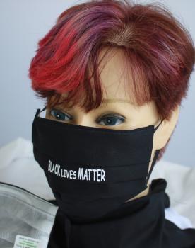 Textil Design-Maske waschbar aus Baumwolle - Schwarz mit Print BLACK LIVES MATTER